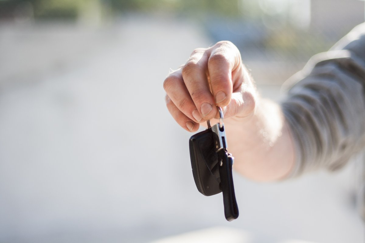 car-buying-car-key